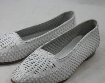 Vintage Cole Haan White Flats Size 9.5 Woven
