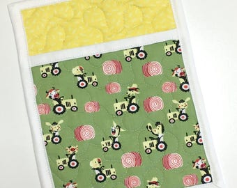 Pocket Pot holder Farm Tractor Cow Animals Handmade Quilted Yellow Green Hot pads Kitchen Cooking Baking