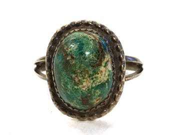 Southwestern Turquoise & Sterling Silver Ring / Vintage Native American Inspired Western Jewelry / Size 8.5