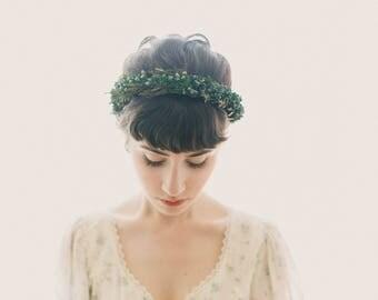 Winter wedding headpiece, Juniper and cedar hair crown, Woodland bridal hair wreath, Woodland hair crown, Natural bridal crown, Green leaf
