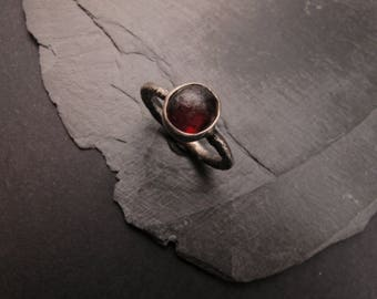 Sterling silver and rough amber ring - One of a kind - Size 7.5 - Solitaire ring - Everyday jewelry - Raw design - Natural stones - Gift