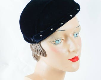 Vintage 30s - 40s Hat Blue Velvet Skull Cap with Rhinestones Sz L