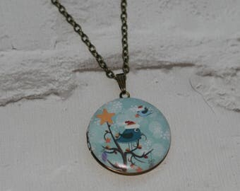 Bird Locket Necklace, Bird Necklace, Woodland, Christmas Necklace, Animal Jewelry