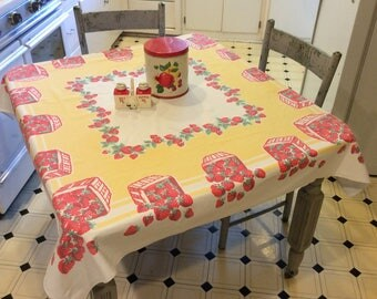 Vintage Tablecloth Fab 40's Strawberry Baskets