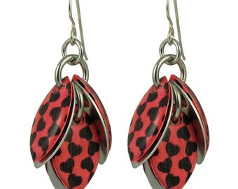 Chain of Hearts Petals to the Metal Earrings