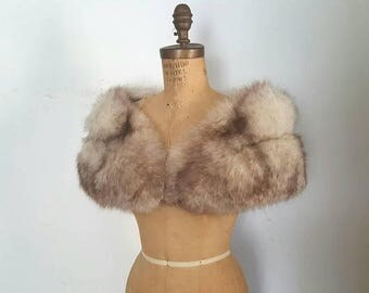 SALE SILVER Fox Fur Stole / Capelet / Fox Cape / Bridal Wedding