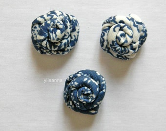Men flower lapel pin -  Floral lapel pin - Flower stick pin. Rose boutonniere. Men accessories. Blue and white.