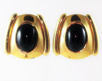 Vintage Black and Gold  Clip Earrings (E-2-2)