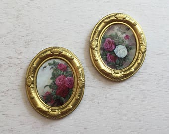 Miniature Framed Rose Flower Pictures, Artwork, Wall Decor, Dollhouse Miniatures, 1:12 Scale, Dollhouse Accessory, Mini Gold Framed Pictures