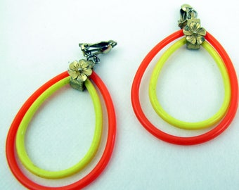 Vintage 1960s Groovy Yellow and Orange Plastic Hoop Dangle Clip-on Earrings