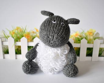 Loopy Sheep toy knitting pattern