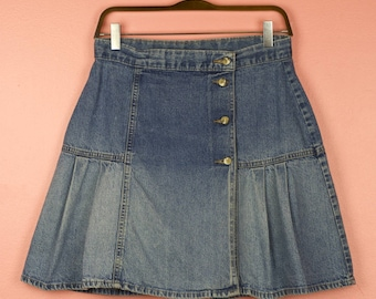 Early 90s Perfectly Worn in High Waist Denim Pleated Skirt - Size M, 8/10