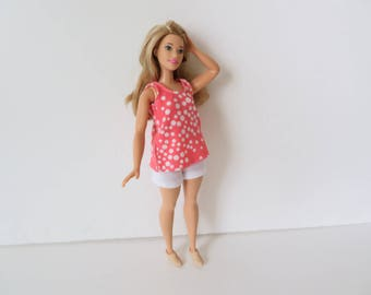 CURVY BARBIE Coral Dot Shorts Outfit