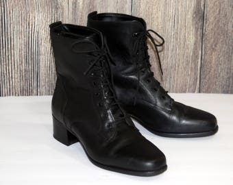 Vtg Lace Up Black Boots BLONDO Made in Canada / Size 8.5