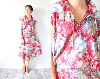 Vintage boho red floral dress // vintage 1960's summer floral dress // short sleeve casual dress // medium large dress // modest summer fall