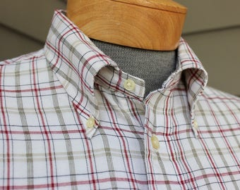 vintage 1970's -Gant 'Classic'- Men's Oxford cloth, long sleeve shirt. Button down collar - Locker loop. Large 16 x 33