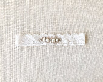 BROOKLYN Garter - Ivory Lace Bridal Garter with Rhinestones and Pearls