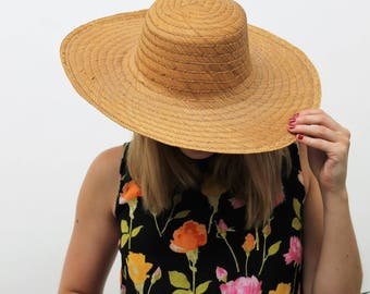 Simple Wide Brimmed Straw Hat