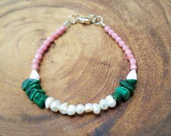 Freshwater Pearl Bracelet with Pink Beads and Green Shell Chips