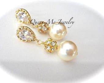 Chunky gold pearl earring,Swarovski pearl earrings, Brides earrings,Bridesmaids earrings,Gold wedding earrings,Chunky gold earrings, LOLITA