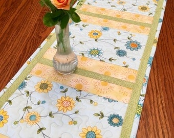 Quilted Table Runner, Flowering Vine Table Runner,  Handmade Table Runner, Traditional Table Runner