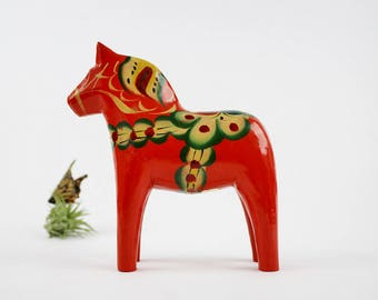 Vintage Äkta Dalahemslöjd Horse with Label - Hand Painted Wooden Red Dala Horse Figurine - Nils Olsson Nusnäs Mora Sweden