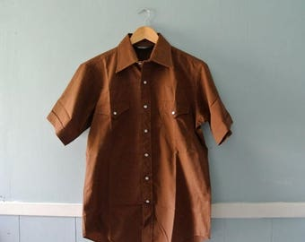 ON SALE Men's 1970s Western Shirt / Chocolate Brown Short Sleeve Cowboy Shirt / Size 8 Small to Medium