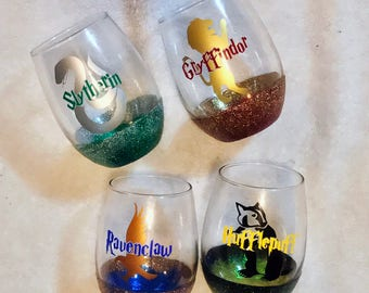 Harry Potter Houses Glitter Stemless Wine Glasses | Hogwarts Houses | Gryffindor | Slytherin | Hufflepuff | Ravenclaw | Glitter Ombre Wine