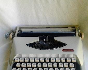 Royalite 65 Typewriter Vintage FREE SHIPPING!!