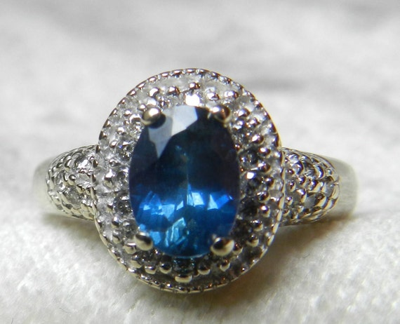 Vintage Sapphire Gold Engagement Rings