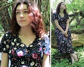 90s Rayon Dress TEA LENGTH Vintage Buttoned ShirtDress DAISY Floral Print Lace Up Side Ties Short Sleeve Sweetheart Women's Medium Size 9/10
