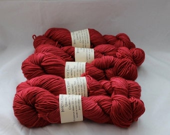 True Unbowed DK yarn 100% super wash merino