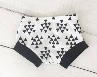 Unisex Monochrome Black White Bummies Shorties Shorts - Baby Toddler Boy Triangle Trendy Modern