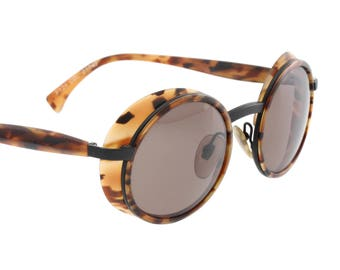 Alain Mikli 3125 round side shield sunglasses, tortoise cello over a matte black metal structure, hand made NOS 90s, original case