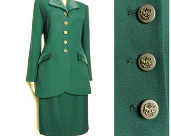 80s 90s WOOL emerald green ladies two piece suit fitted jacket + pencil skirt VELVET collar + pockets U.K. 10 - 12 SM