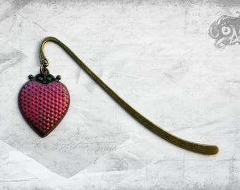 Vintage style heart charm bookmark with brass heart hand-painted in bright pink // Reading Book Lover Literary gift for Steampunk readers