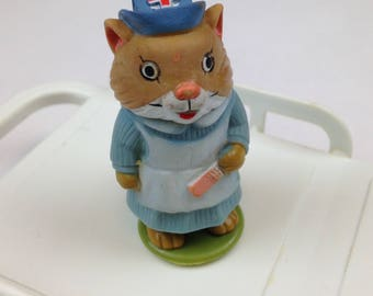 """1976 - PLAYSKOOL - Richard Scarry's Puzzletown - Dr. Lion's Medical Center - NURSE NELLY - 2.25"""""""