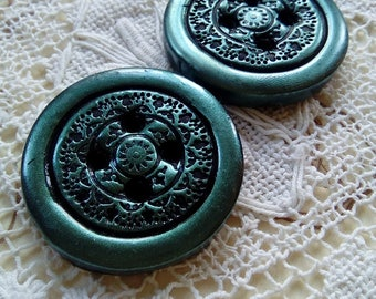 Pair of green clay buttons, round buttons, ornate buttons, handmade buttons, unique buttons, polymer clay button, scrapbooking, knitting
