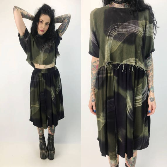 90's Two Piece Midi Skirt & Crop Top Set Small - Coordinate Outfit  Printed Matching Set Earth Tones Vintage - Frayed Crop And Skirt Rayon