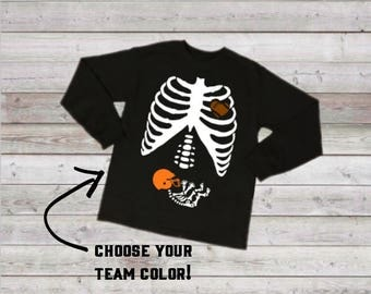 Skeleton Football Baby T-shirt, Maternity Top, Pregnancy Shirt, Funny Pregnancy Tee, Pregnancy Announcement, Sports Top, Halloween Maternity