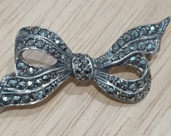 Vintage sterling silver marcasite bow brooch
