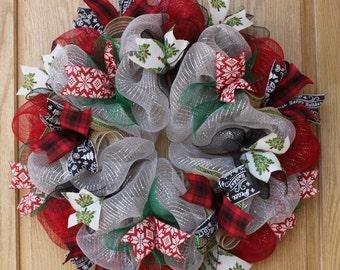Christmas wreath, christmas decorations, seasonal wreath, deco mesh wreath, hand made wreath, welcome wreath, holiday wreath, front door dec
