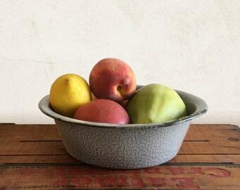Vintage Graniteware Agate Gray Splatter Bowl for Rustic, Primitive, Farmhouse Kitchen Home Decor Display / Fruit Bowl Centerpiece / Planter