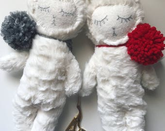Soft Toy White alpaca. Stuffed Alpaca. Plush Toy Alpaca.  Alpaca stuffed toy. Heirloom toys. Soft Toys. New Baby Gifts. Baby shower Gifts