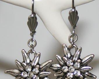 Brisur earrings with edelweiss