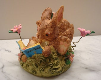 Vintage Paws For Praise Bunny Rabbits Reading Bible - Pslam 37: 4 - Friendly Greetings, Enesco - Great!