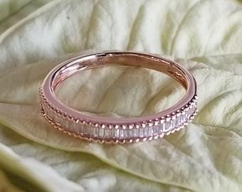 18 K Rose gold baguette diamond band