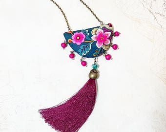 Tassel Necklace. Boho Hot Pink Emerald Green Necklace. Fabric Pendant Jewellery. Modern and Ethnic Style. Bohemian. Magenta Pink.