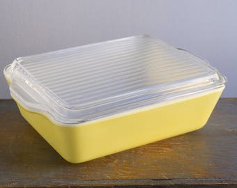 Vintage Yellow Pyrex Refrigerator Dish With Lid - 503 - B