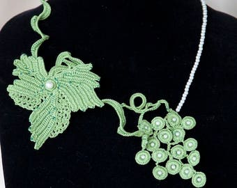 Crochet green vine leaf grapes with pearl beads seed beads necklace unique design